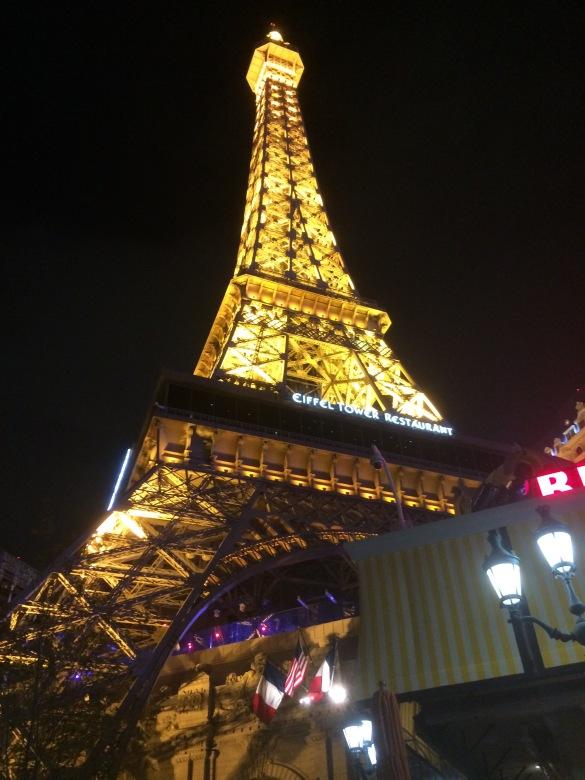 NIGHT-Paris